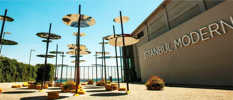 İstanbul Modern çalışma saatleri